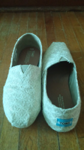 Cream flower texture sparkly Toms