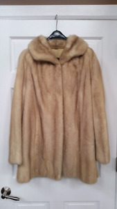 New Condition 3/4 length Blonde Mink Coat