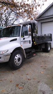 2005 International 4300 dump truck,single axle