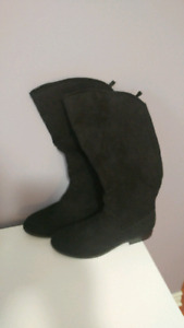 Size 8 Gap boots never worn
