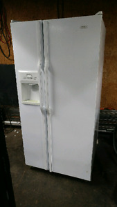 Ice maker fridge