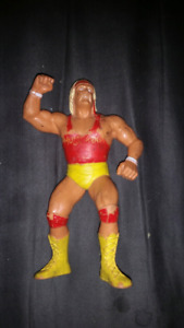 Wwf ljn red shirt hulk hogan!