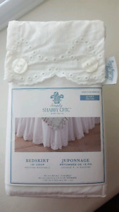 """""""Simply Shabby Chic""""  Bedskirt"""