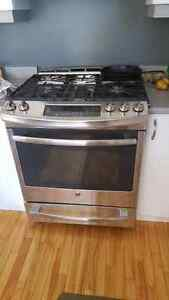 GE profile 5 burner gas stove with skillet