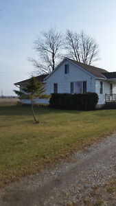 Beautiful 3 bdrm country home for rent!