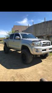 2010 Toyota Tacoma Pickup Truck
