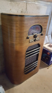 antique shortwave radio
