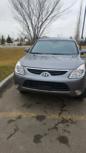 Hyundai Veracruz 2012 low mileage for only 13000$