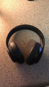 Beats by dre studio matte black edition wireless