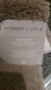 Brand New Luxury Bath Rug  MSRP $35+tax