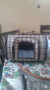Hard sided pet carrier