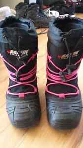 Size 3 Kids Baffin Snow Boots