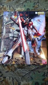 NEW GUNDAM MODEL KIT