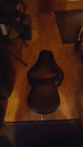 Mustang seat off Harley Dyna Glide brand ..new