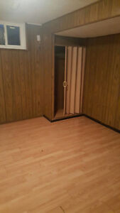 1bedroom basement for rent near cawthra and lakeshore 1 bedroom