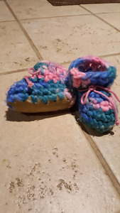 Baby Items- fleece booties, clothes, tub etc