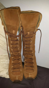 Like new Timberland Boots 8.5