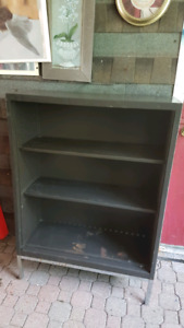 4 Metal cabinet shelving