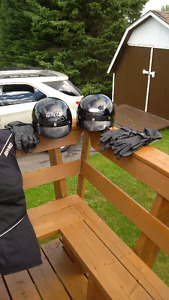 Open face motorcycle helmets & leather gloves