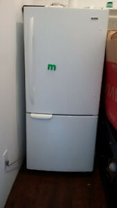 Kenmore 20F Bottom Freezer Fridge