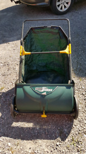 Grass and leaf sweeper