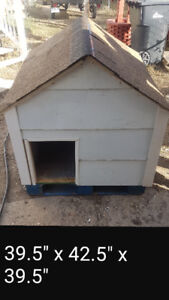 LARGE FULLY INSULATED DOG HOUSE
