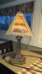 Lamp with illuminated pictures in shade (NEW PRICE) 10.00