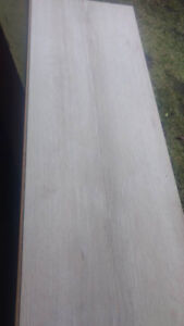 Light Colour Click Laminate Flooring 550Sqft