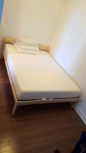*like new* double bed + mattress