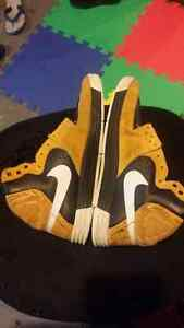 men show  size 8 or 8.5