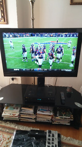 Samsung 40 inch HDTV with glass stand
