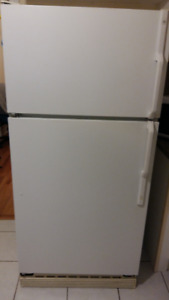 GE Refrigerator for sale