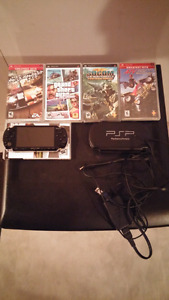 Psp (playstation portable) avec jeux et chargeur