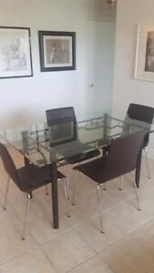 Ensemble de salle à manger (4 à 6 personnes) - table/6 chaises