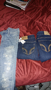 2 hollister and 1 american eagle.. All size 00