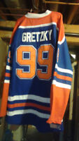 Sports Card and Memorabilia Show.. Gretzky Jersey Giveaway