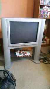 Jvc tv and tv stand