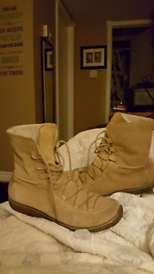 Ladies Timberland waterproof size 11 Boots