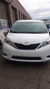 2011 Toyota sienna.Le.finance available