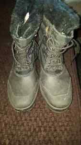 Womens brand new sorel boots