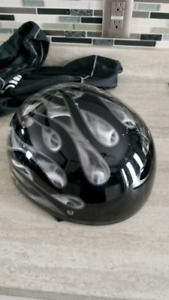 Motorcycle riding gear and magnetic tank bag