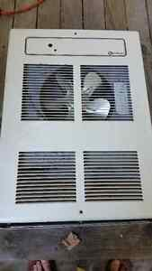 QUELLET ELECTRIC WALL HEATER 1500 WATTS LIKE NEW $99.00