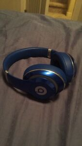 Beats Studio Wireless headset