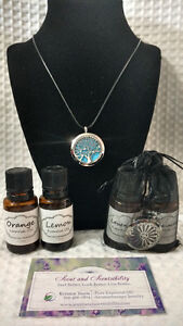 Aromatherapy diffuser necklaces and essential oil