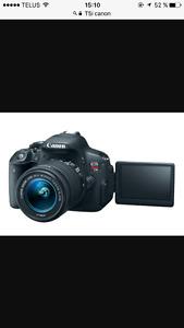 Appareil T5I Rebelle Canon avec lentille 18-55mm avec accessoire
