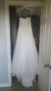Dry cleaned David's Bridal Wedding Gown