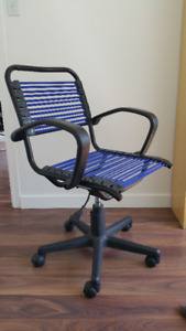 Must Sell Office Chair + Desk $75 (Mount Pleasant)