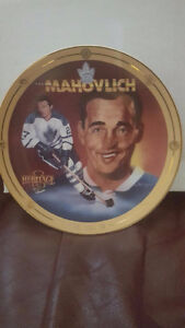 10 HOCKEY PLATES WITH CERTIFICATES & BOXES