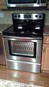 Whirlpool Stove for Sale.