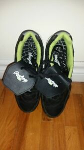 Rawlings Baseball Shoes - Youth Size 7
